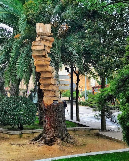L'arbre-livres